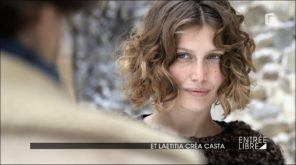 curly hairstyle by Laetitia Casta