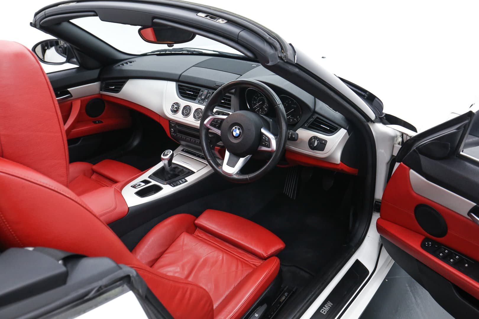 BMW Z4 red leather interior 02