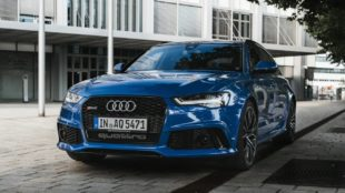 blue Audi RS 6 Avant Performance
