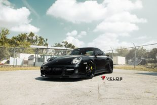 black Porsche 997 Turbo S