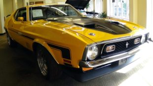 1971 yellow Ford Mustang