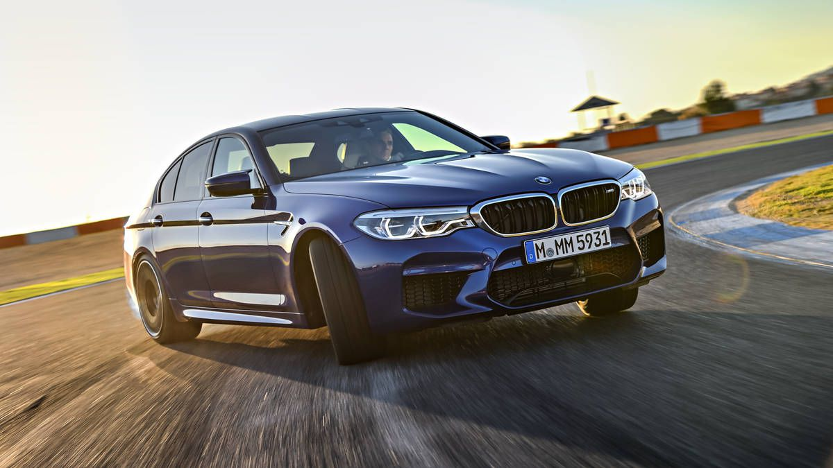 2018 BMW M5 F90 wallpaper