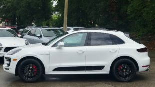Porsche Macan GTS side view