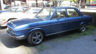 Audi 100 GL side view