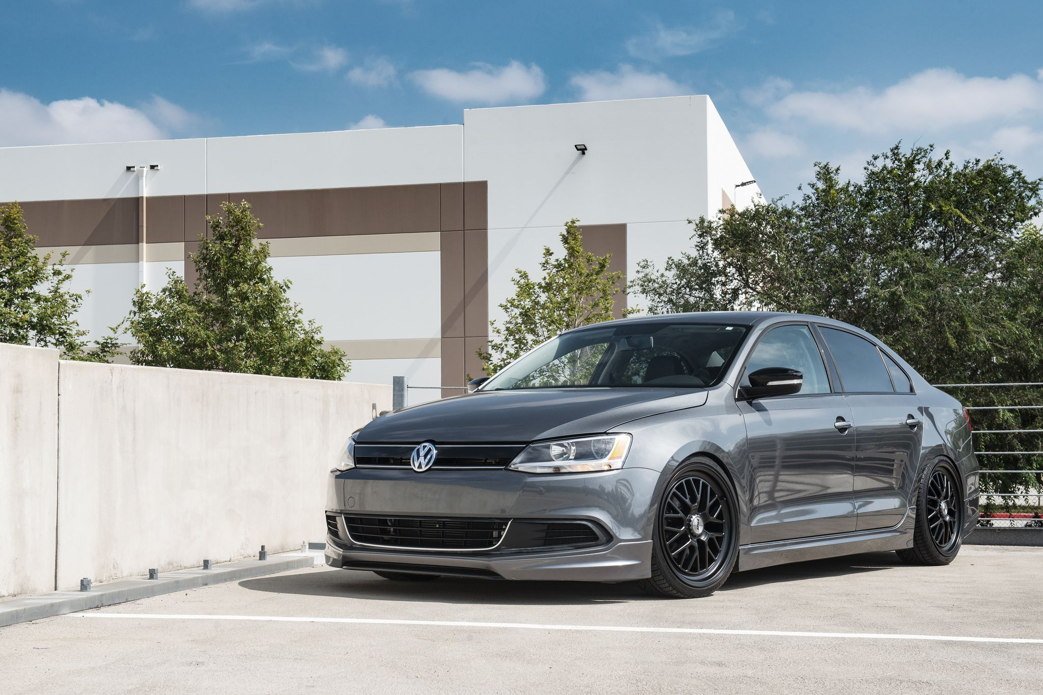 6 photos of gray Volkswagen MK6 Jetta