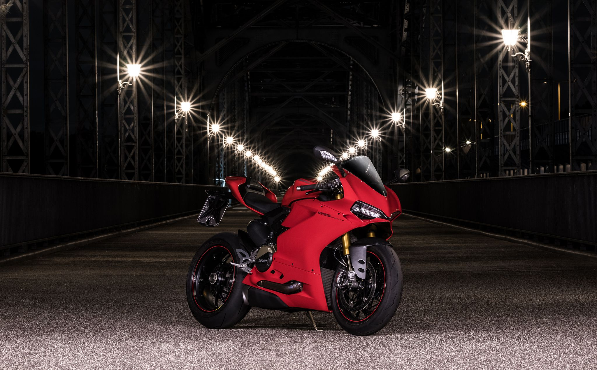 Ducati Panigale 1299s at night