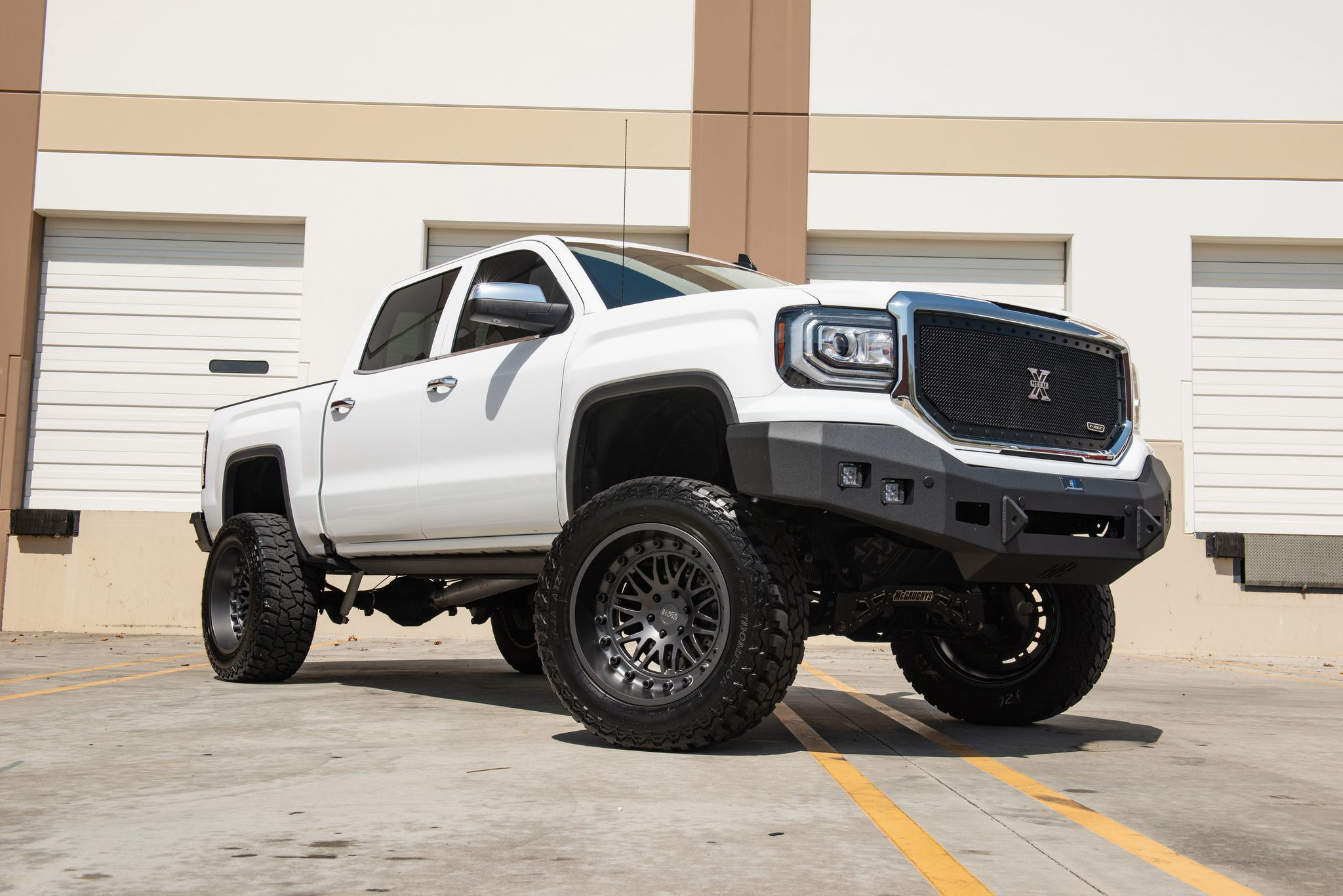 White Truck – GMC Sierra 1500 on Black Rhino Fury 22in wheels