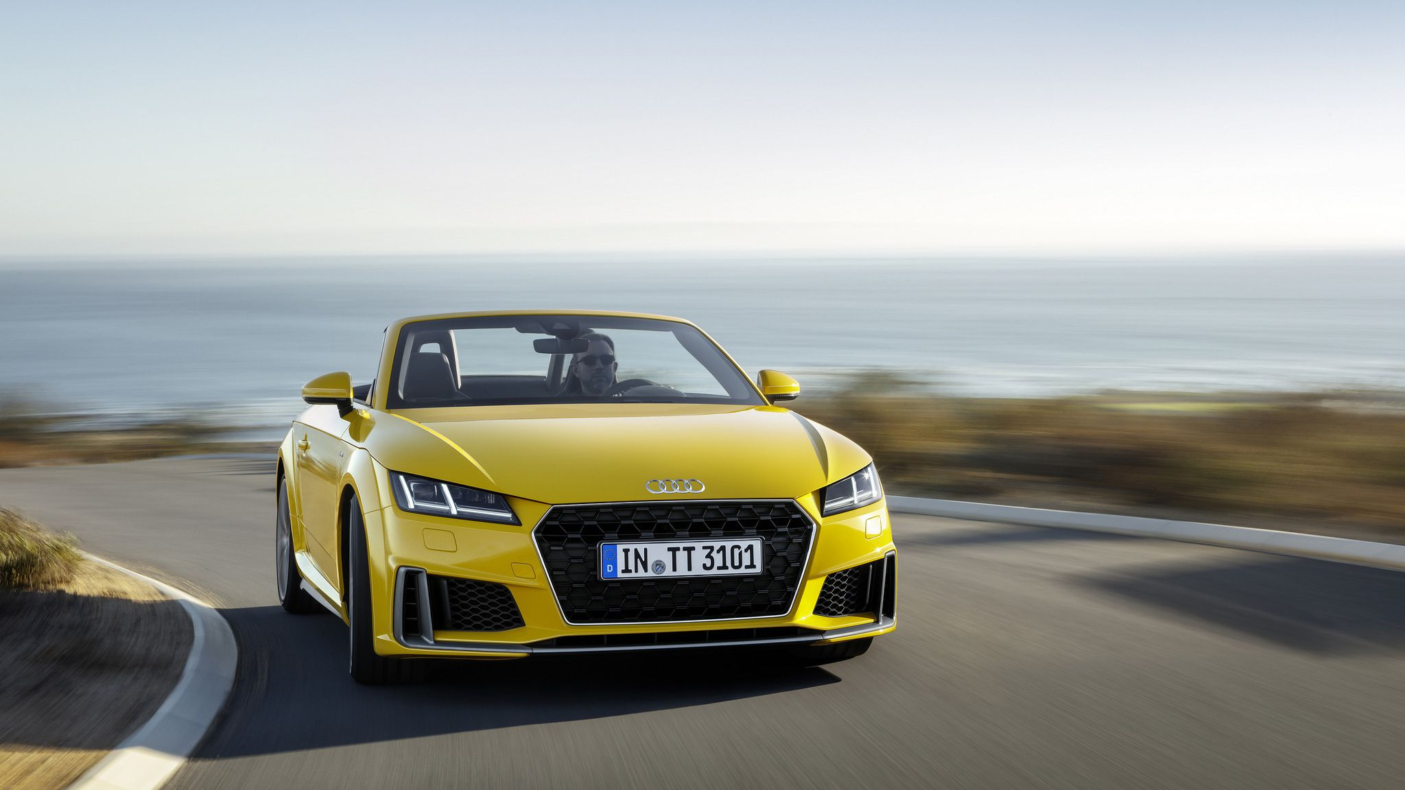 2019 yellow Audi TT Roadster 01