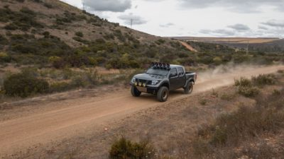 off road suv - dark-grey Nissan Frontier SE in HD