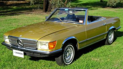 1974 green Mercedes Benz 350SL 2dr roadster 3499cc