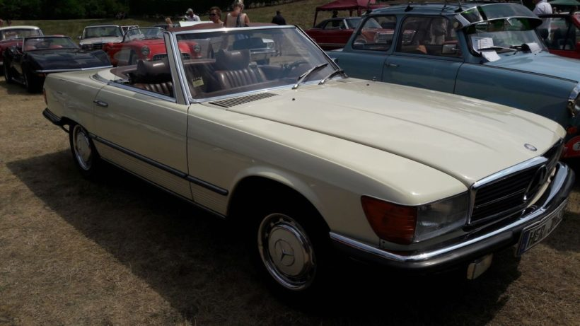 1974 white Mercedes Benz 350SL 2dr roadster side view