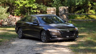 2018 black Honda Accord Touring 2.0T sedan 01