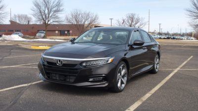 New Honda sedan - 2018 black Honda Accord Touring 2.0T sedan 02