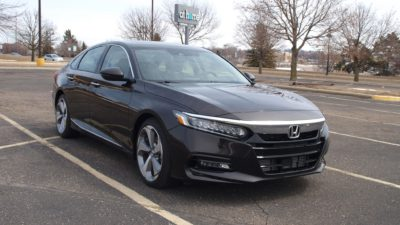 New Honda sedan - 2018 black Honda Accord Touring 2.0T sedan 03