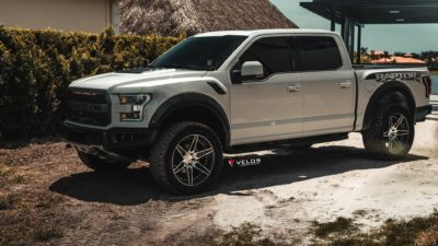 2018 grey Ford Raptor F 150 Biturbo 4000rpm