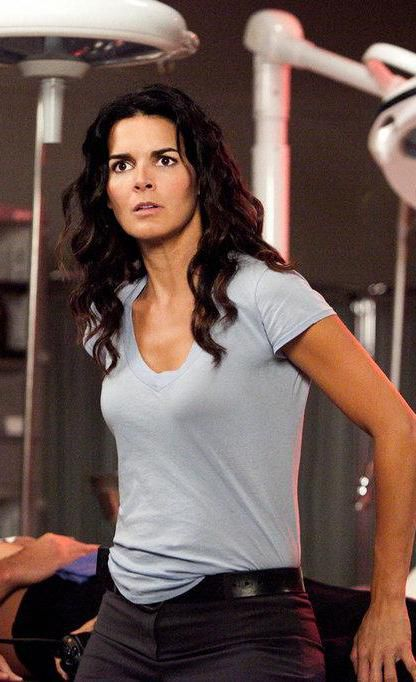 Angie Harmon in fitness outfit