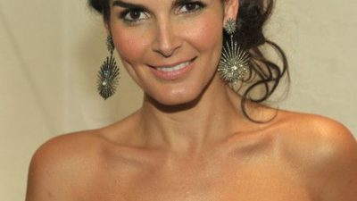 Angie Harmon on A Night Of Red Carpet Style with new earrings