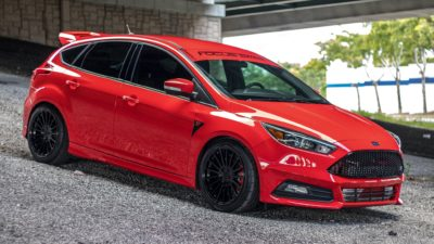 red Ford Focus ST side view