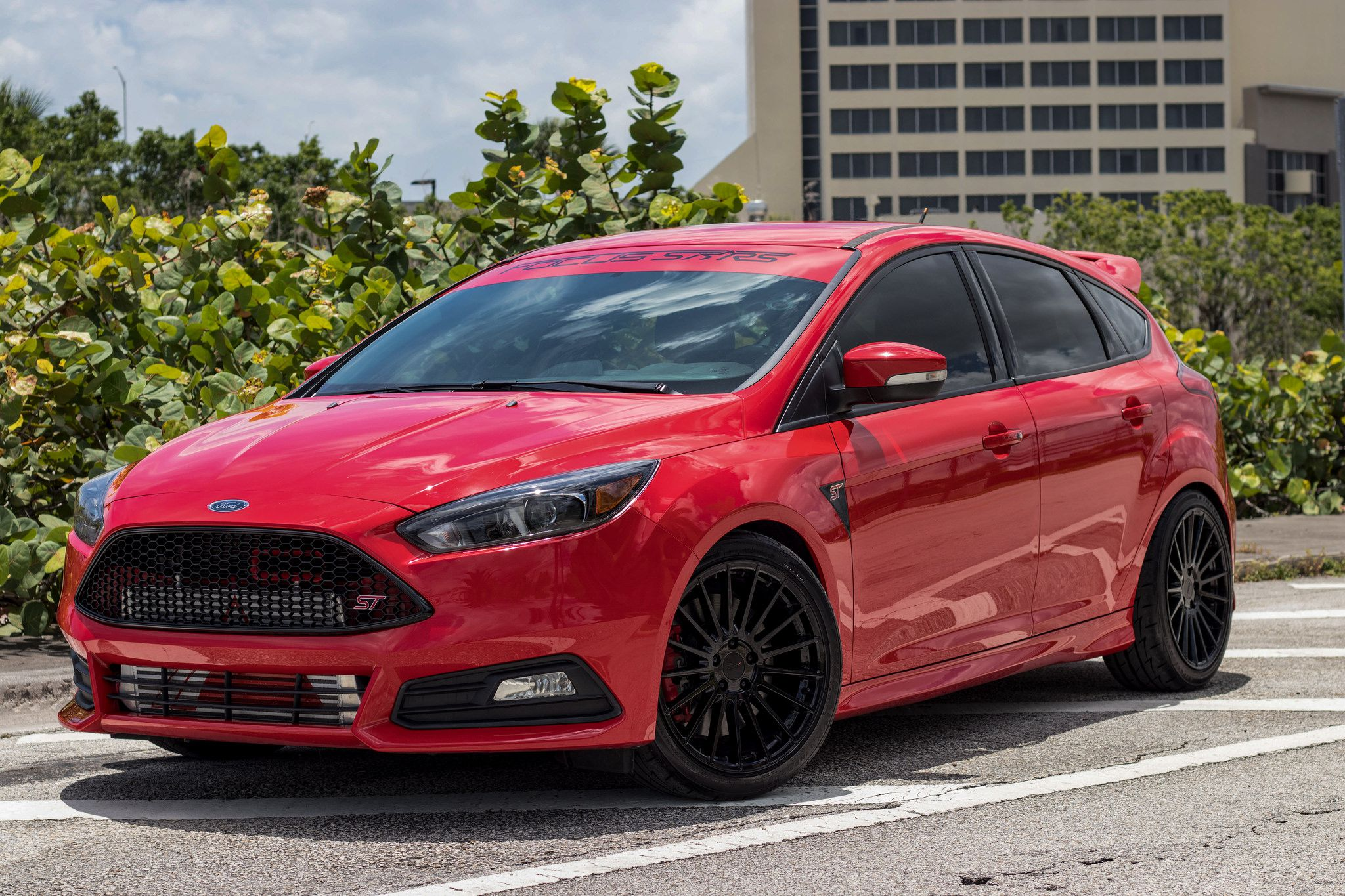 red Ford Focus ST 104