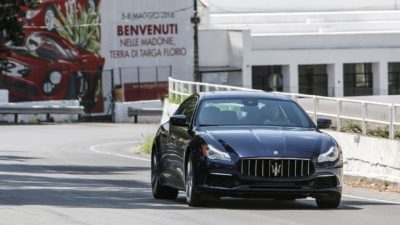 Black luxury sedan Maserati Quattroporte S Q4 GranLusso in HD