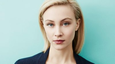 Sarah Gadon in close u