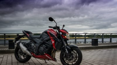 Black-red sport bike Suzuki GSX-R 750