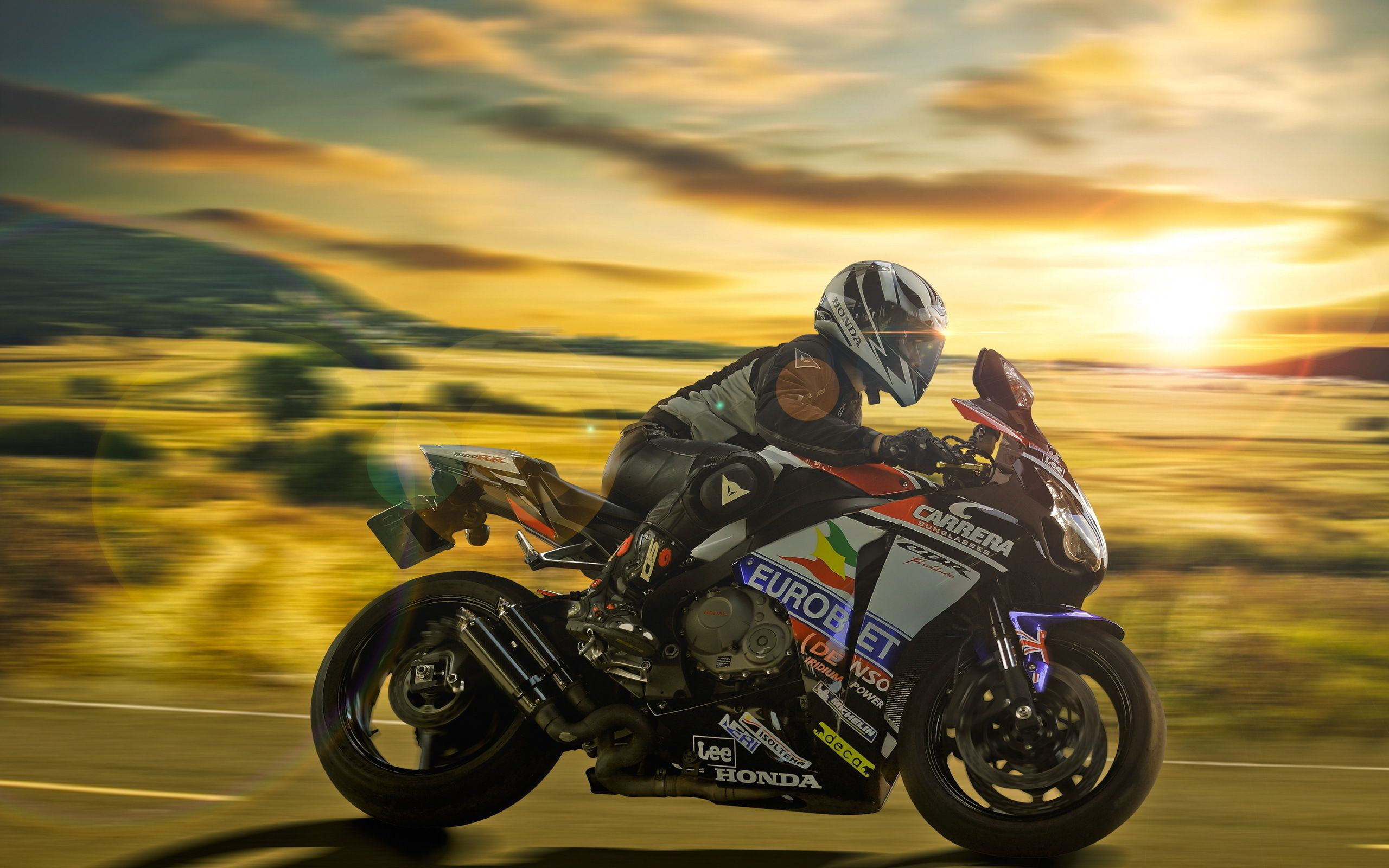 Sportbike - honda cbr600rr at speed and at sunset