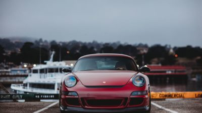 Rotiform HUR front view - red Porsche Cayman