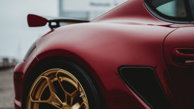 Rotiform HUR rear wheel - red Porsche Cayman