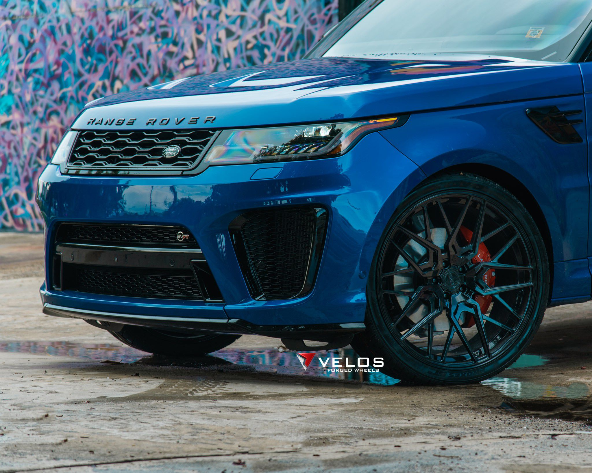 Range Rover SVR on Velos 07_8 wheels