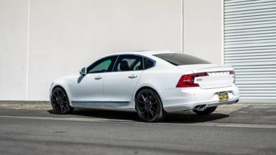 Volvo s90 sear-side view