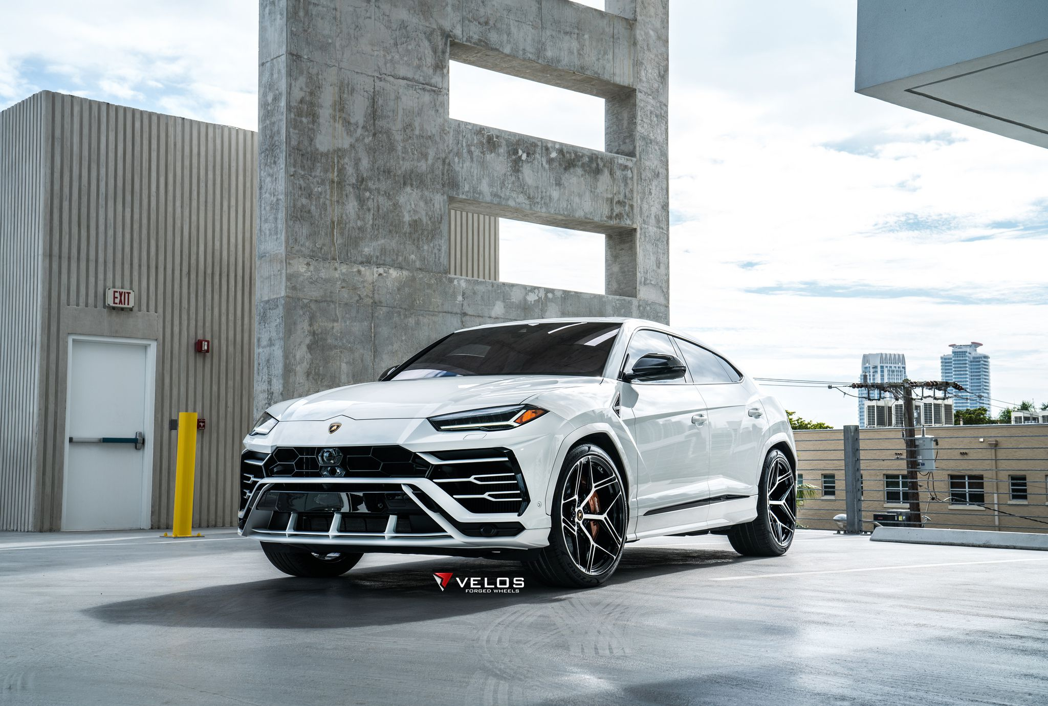 10 Lamborghini Urus High Quality Images