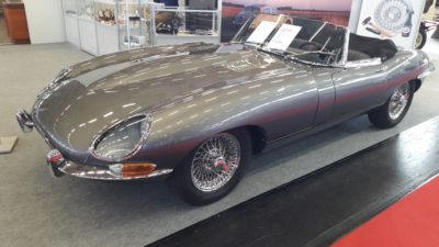 1967 Jaguar E-Type 4,2 Roadster, Series 1, Cabriolet, Gray, Retro car