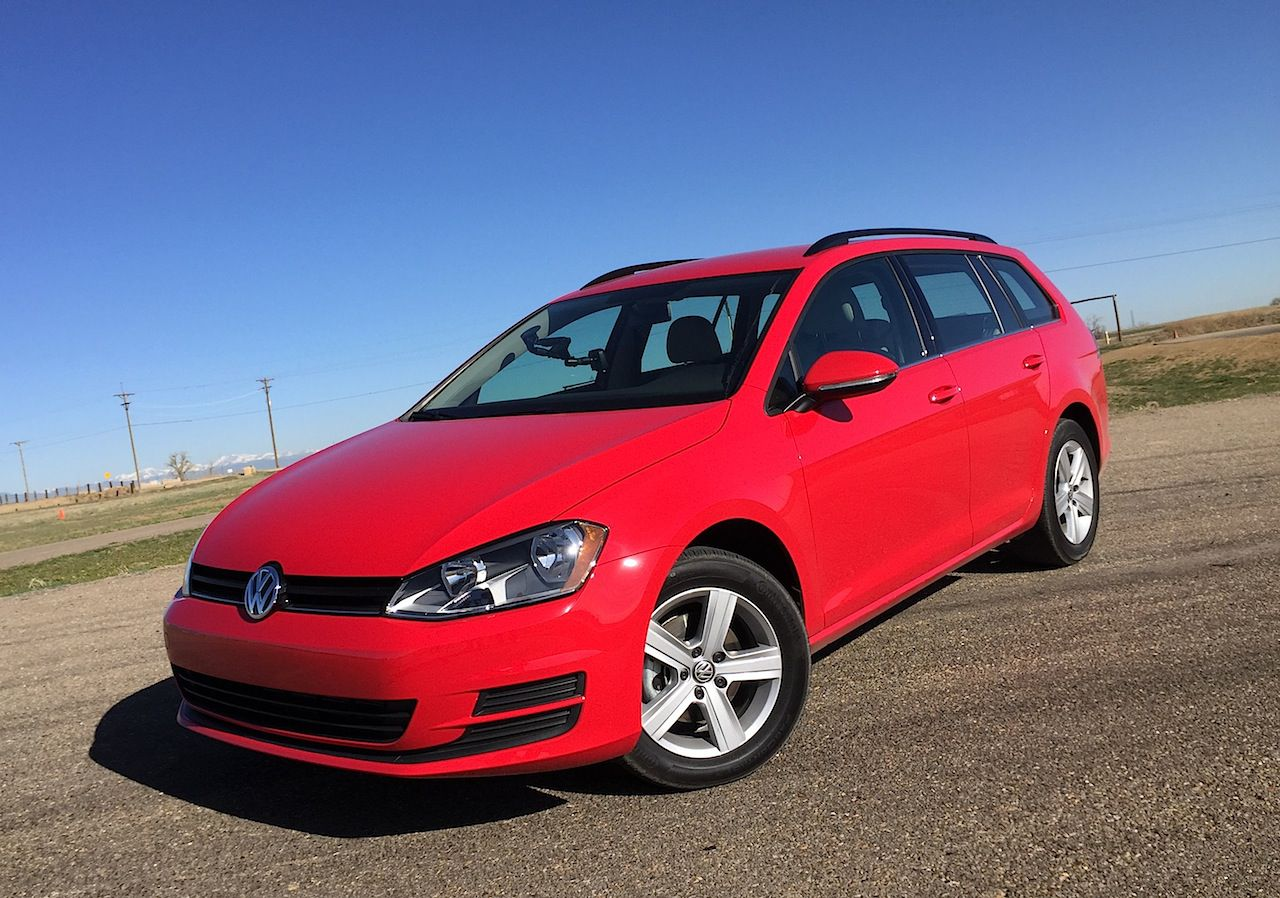 2015 VW Golf SportWagen - red
