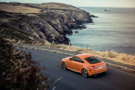 Audi TTS 2019 - red, at beach