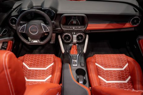 Photo 01: 2019 Chicago Blackhawks Chevrolet Camaro 2SS Convertible interior