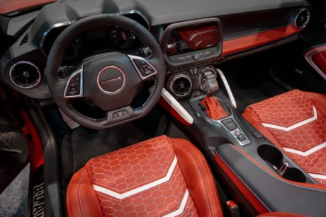 Photo 02: 2019 Chicago Blackhawks Chevrolet Camaro 2SS Convertible interior