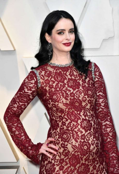 Photo 02: Krysten Ritter in red dress at the Oscars in Los Angeles, 2019