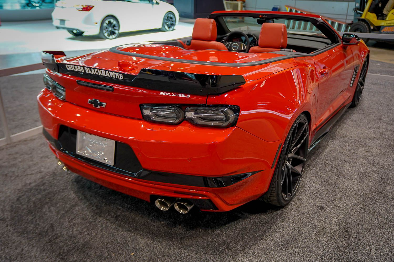 Photo 03: 2019 Chicago Blackhawks Chevrolet Camaro 2SS Convertible