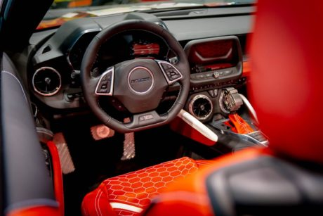 Photo 04: 2019 Chicago Blackhawks Chevrolet Camaro 2SS Convertible interior