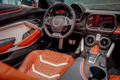 Photo 06: 2019 Chicago Blackhawks Chevrolet Camaro 2SS Convertible interior