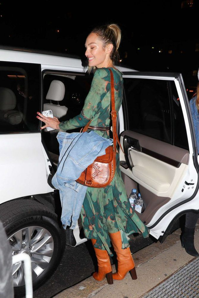 Photo 10: Candice-Swanepoel leaves the Prabal Gurung Fashion Show 11 02 2019