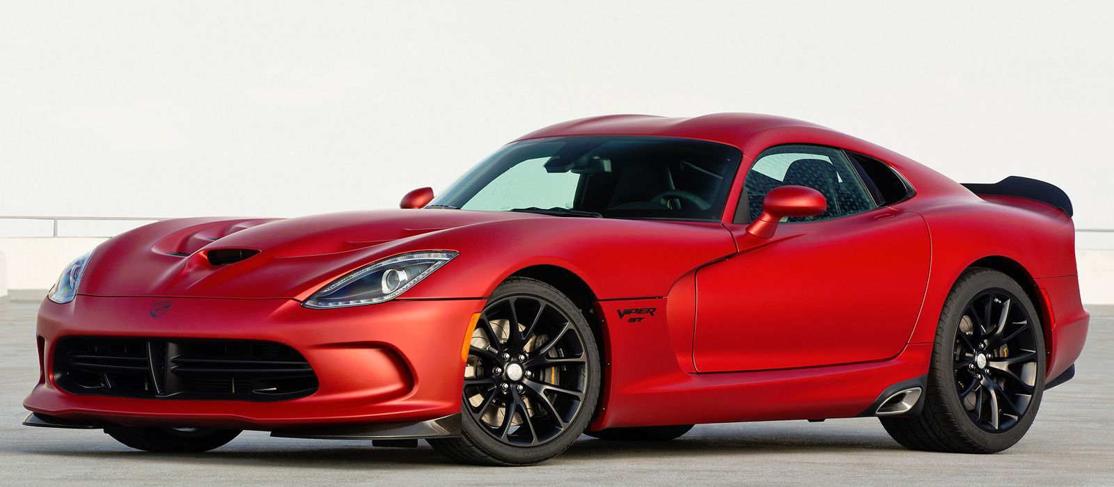 2017 red Dodge Viper GTC