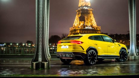2019 Lamborghini Urus eiffel tower wallpaper