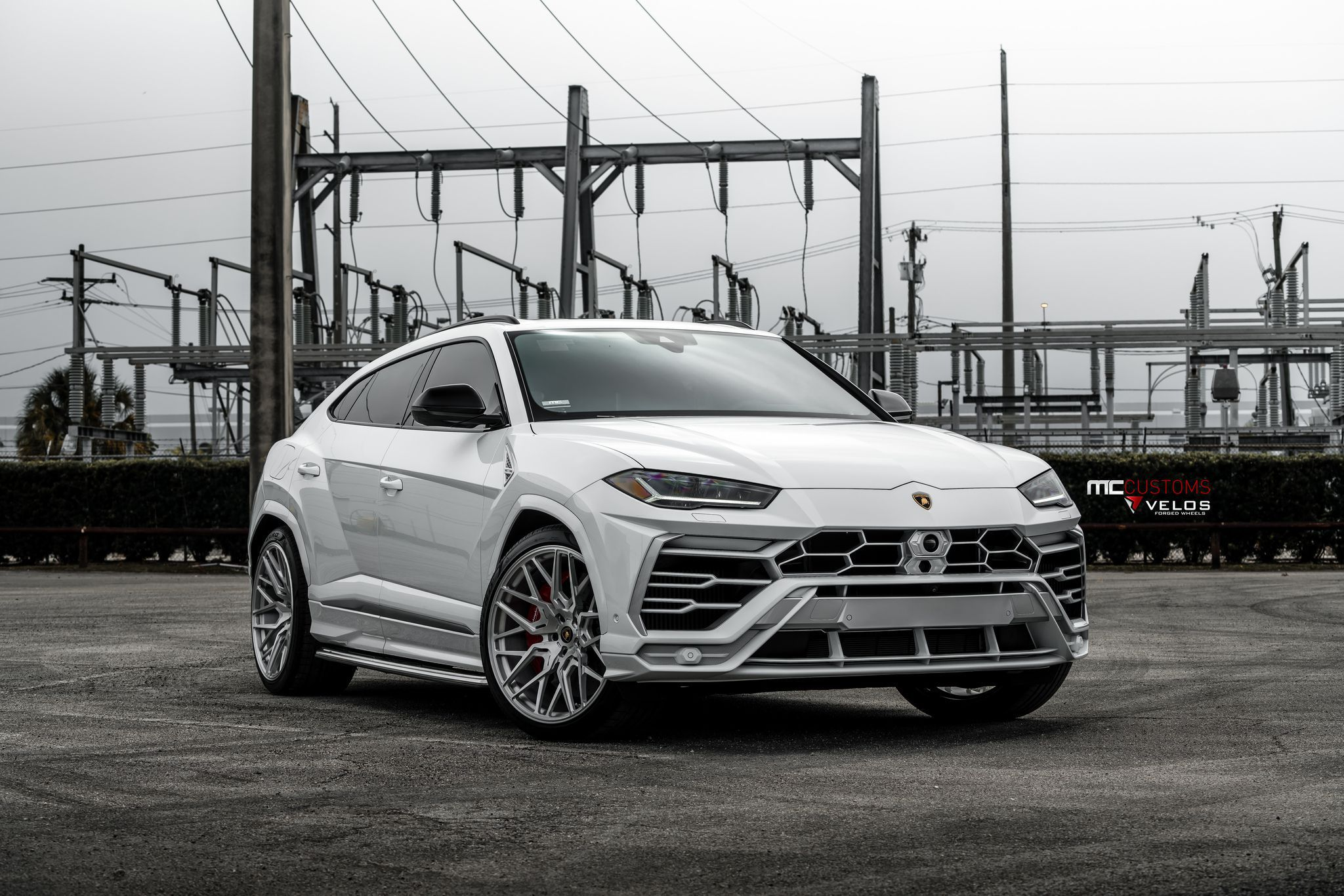 2019 Lamborghini Urus on velos custom wheels
