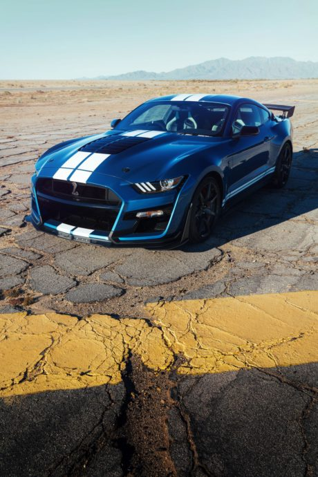 2020 Ford Mustang Shelby GT500 - amazing blue colour