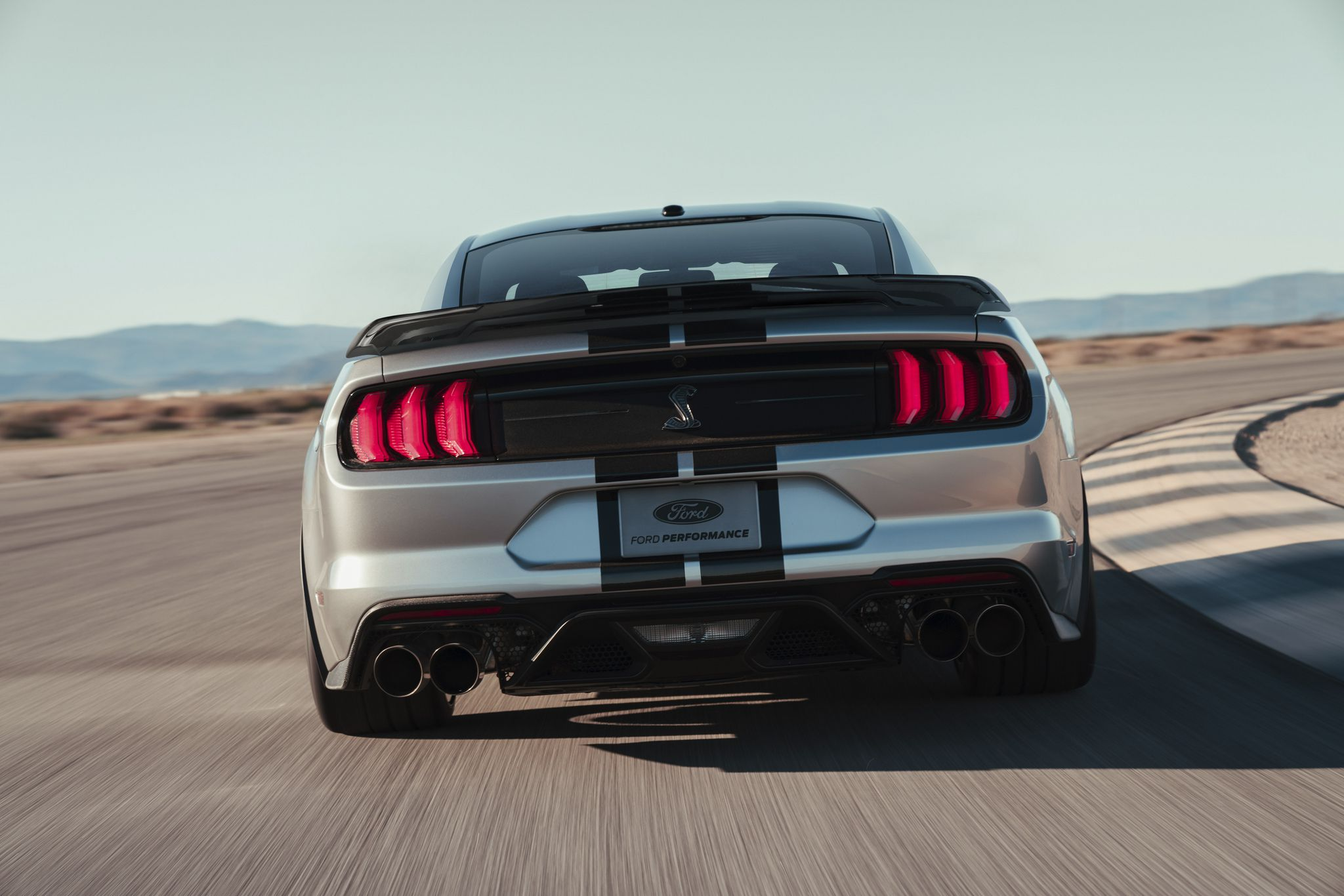 2020 Ford Mustang Shelby GT500 - rear view