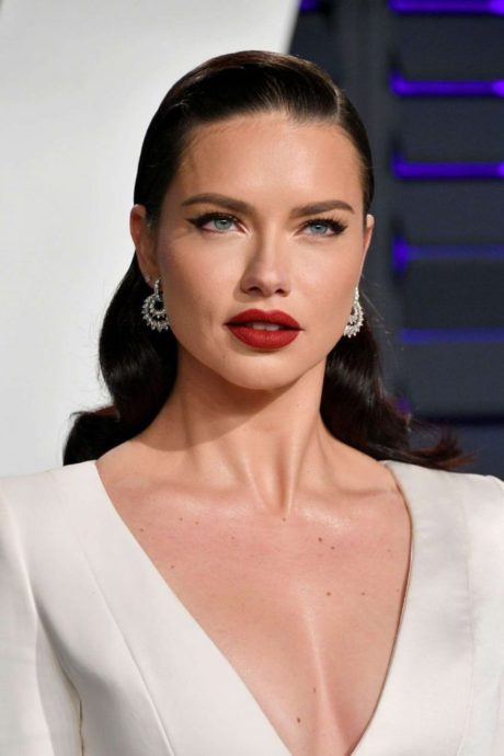 Adriana Lima – new makeup at Vanity Fair Oscar Party