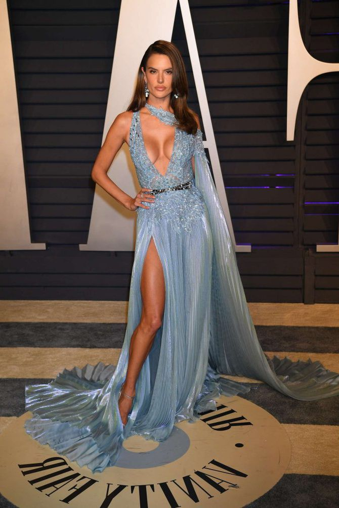 Alessandra Ambrosio At Vanity Fair Oscar Party In Beverly Hills February 2019