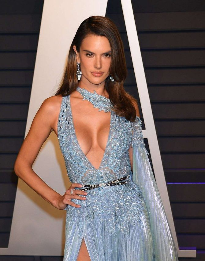 Alessandra Ambrosio in new dress at Vanity Fair Oscar Party